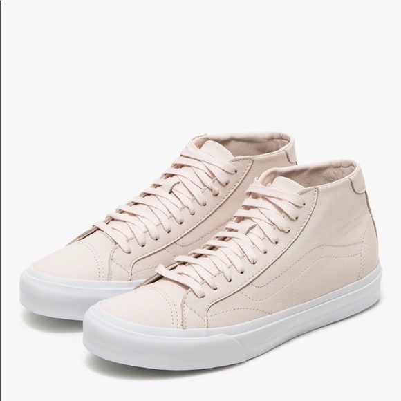 6e6765c149 NWT Vans Leather Court Mid Dx in Blush Pink